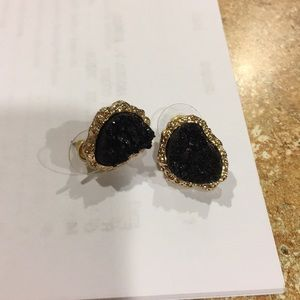 Jewelry - NWOT Black drusy earrings with gold colored trim